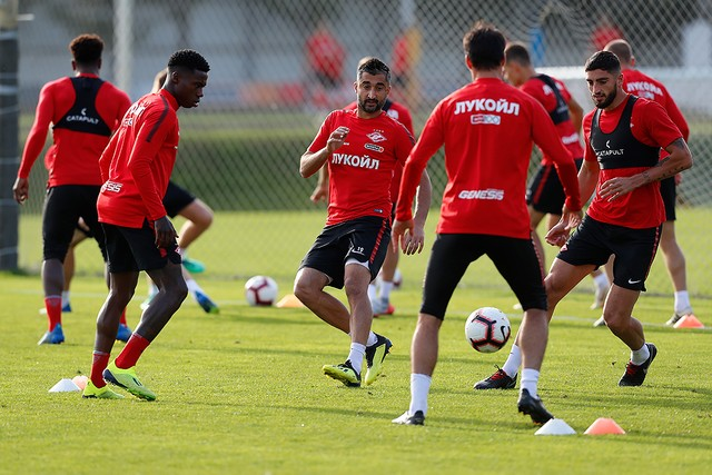 23 Spartak Moscow players are getting ready for the game against PAOK