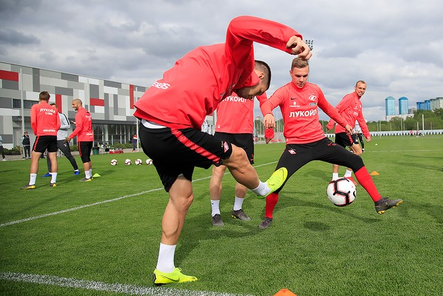 Training ahead of our last home game vs Ufa
