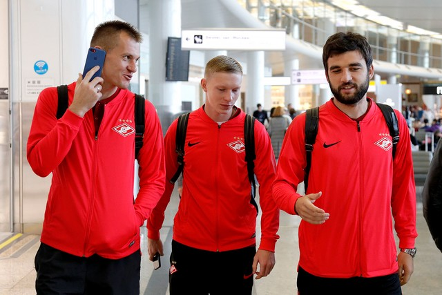 Spartak Moscow departs for Vienna. 21 players in the list